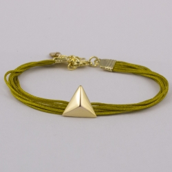 Bracelet coton moutarde et triangle plaqué or