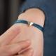 Bracelet liens bleu canard et pyramide plaqué or