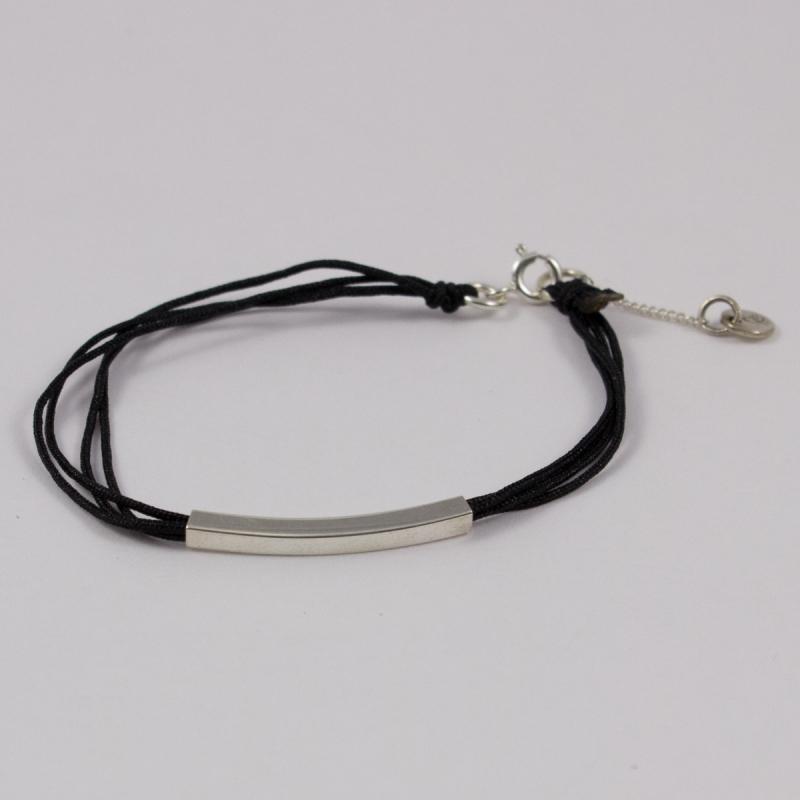 bracelet cordon noir motif rectangle argent bracelet createur. Black Bedroom Furniture Sets. Home Design Ideas