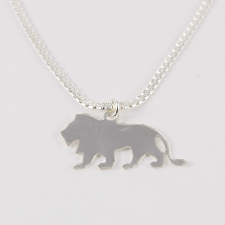 Collier lion argenté by Mélanie