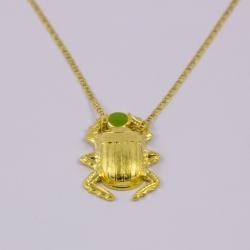 Collier scarabée vert doré by Mélanie