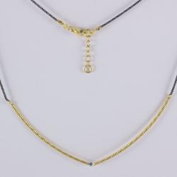 Collier semi-rigide plaqué or et diamant bleu