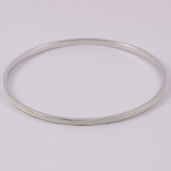 Bracelet bangle argent et émail blanc na na na naa by Claire Naa