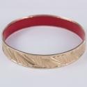 Bracelet couleur or rose et résine rouge by Mélanie