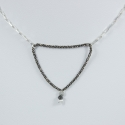 Collier triangle chaine rhodiee et venitienne little diamant noir brut Black Star