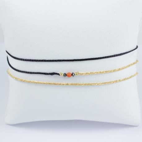 Bracelet corail modèle Akoni et diamants noirs chaine scintillante argent plaqué or champagne et cordon noir by LFDM
