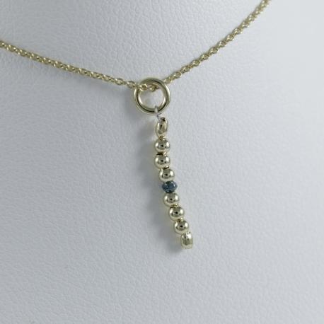 Collier perles intemporelles doré or champagne et diamant bleu