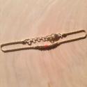 Bracelet Persée perles d'argent doré à l'or jaune, perle de corail et chaîne scintillante by LFDM