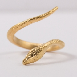 Bague serpent doré à l'or rose by Mélanie
