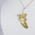 Collier plume couleur or vif by LFDM