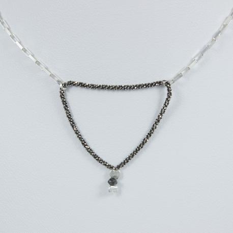Collier triangle chaine rhodiee et venitienne little diamant noir brut Black Star