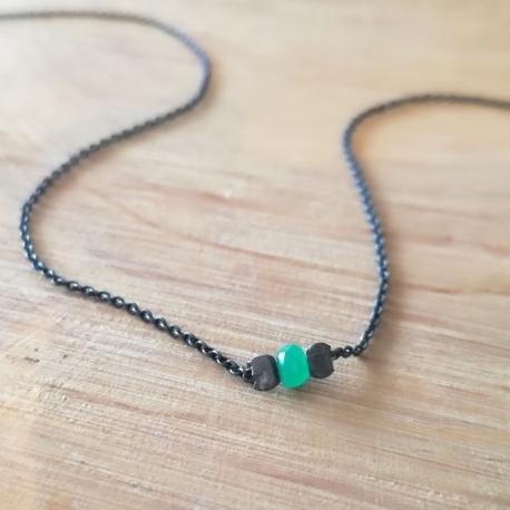 Collier argent rhodié noir et émeraude by LFDM Jewels